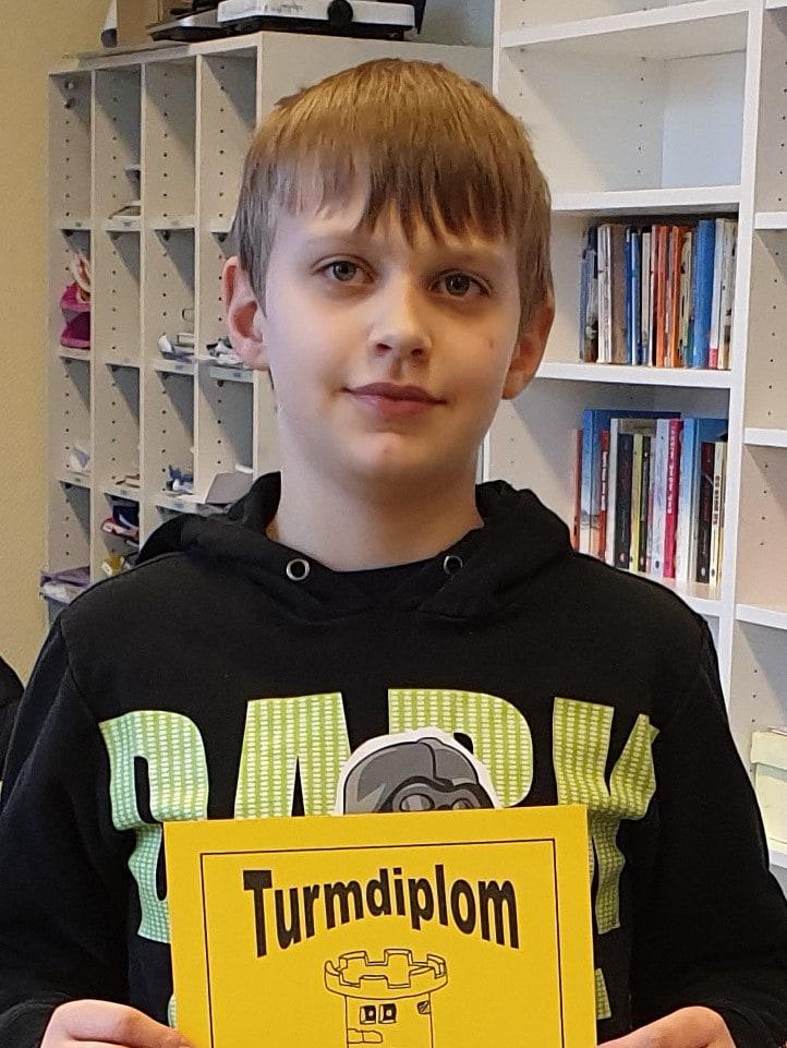 Constantin mit Turmdiplom