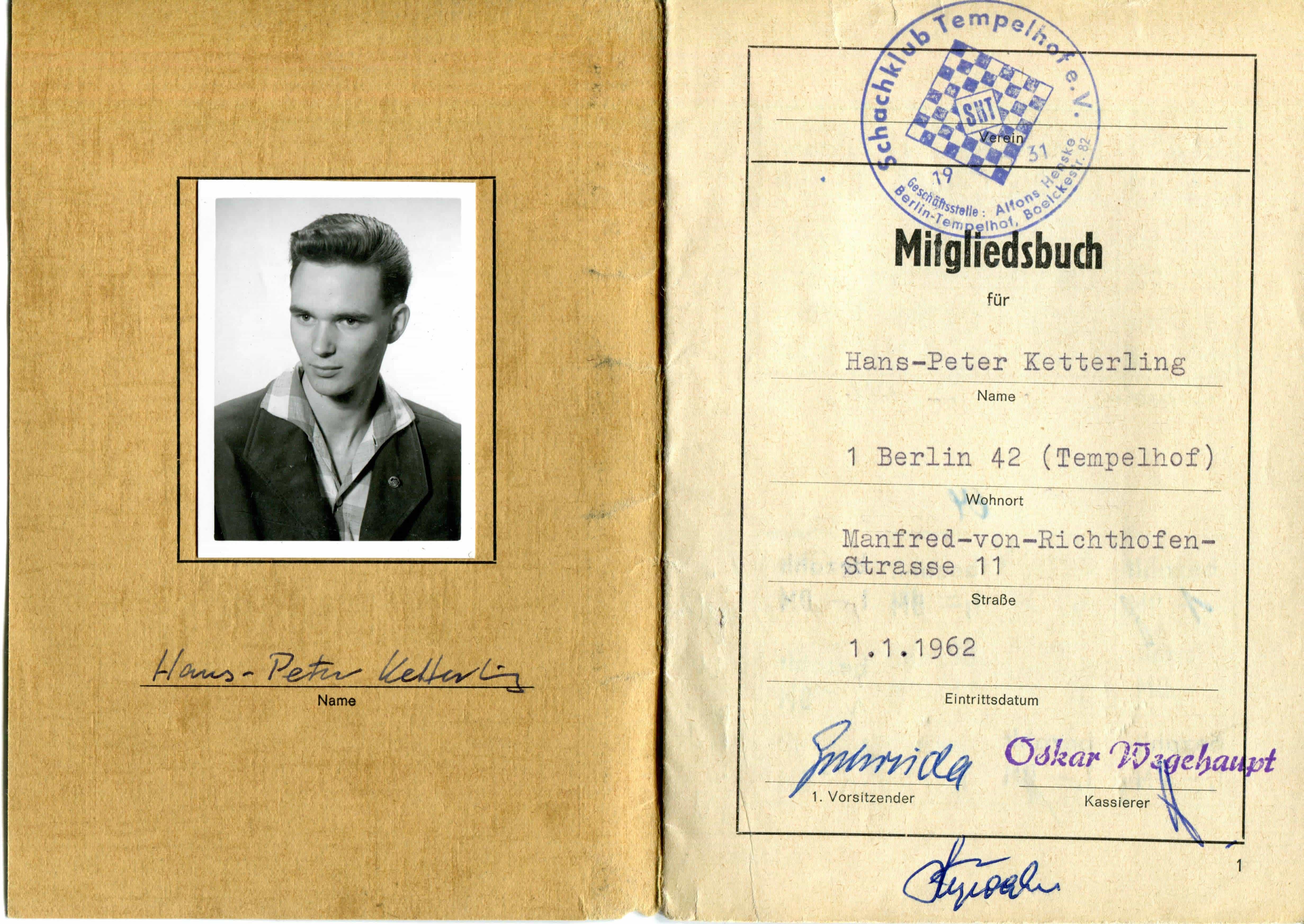 SKT-Mitgliedsbuch von H.-P. Ketterling mit Eintrittsdatum